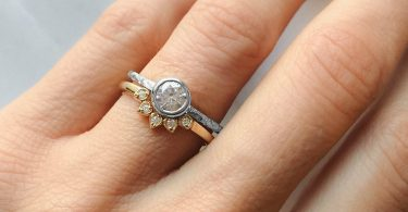 Enjoying The Great Styles of Engagement Rings